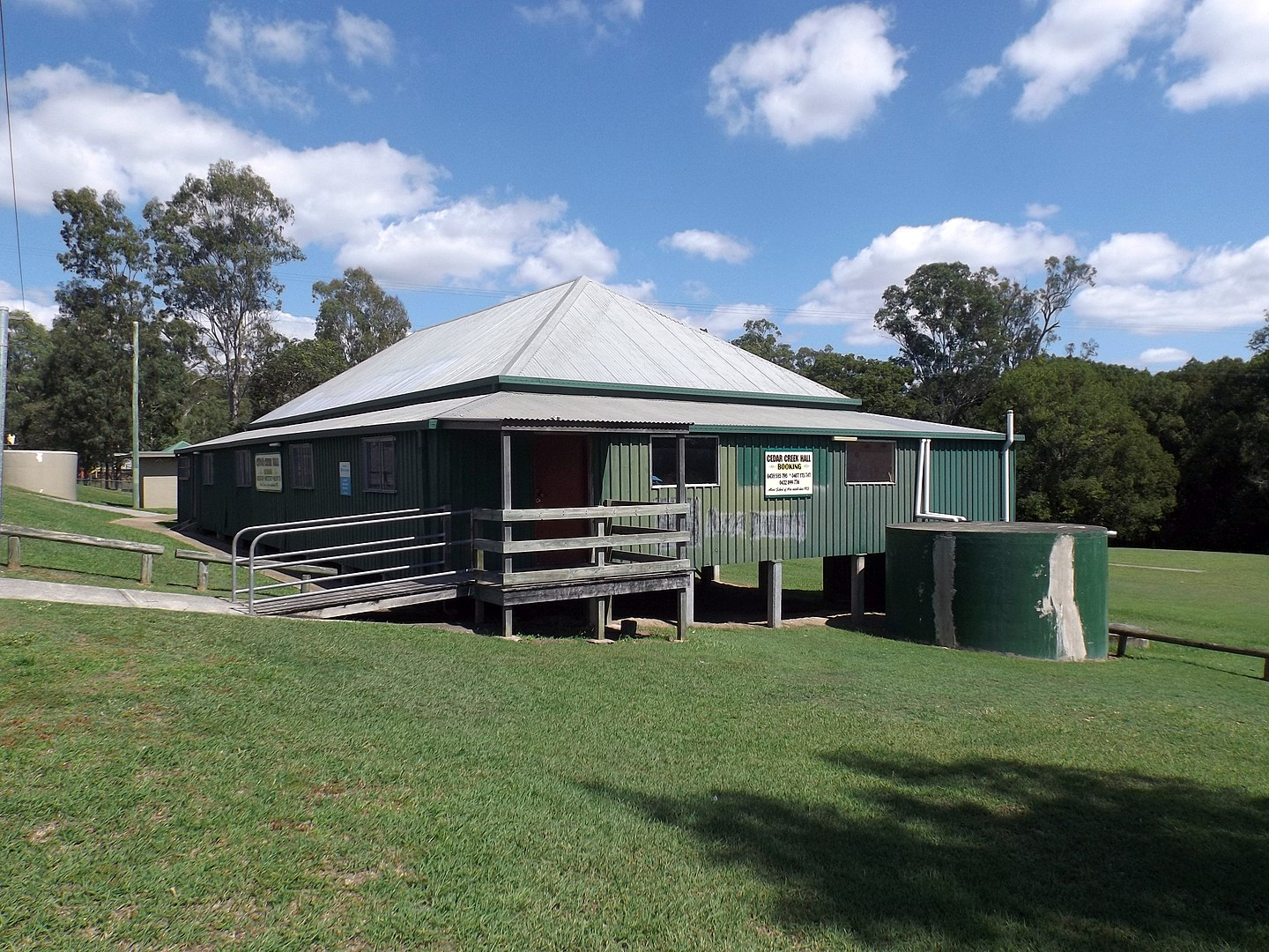 1440px-Cedar_Creek_Hall_at_Cedar_Creek,_Queensland